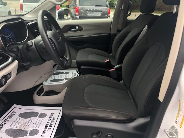 2017 Chrysler Pacifica LX Handicap Wheelchair accessible van Dallas, Georgia 11