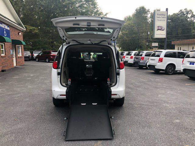2017 Chrysler Pacifica LX Handicap Wheelchair accessible van Dallas, Georgia 4