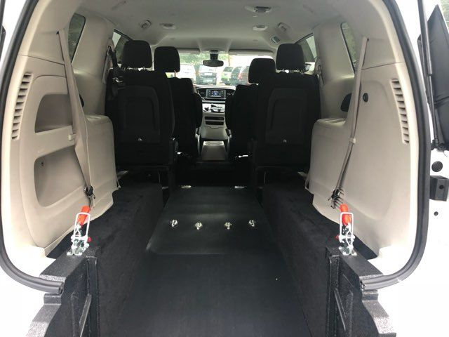 2017 Chrysler Pacifica LX Handicap Wheelchair accessible van Dallas, Georgia 3