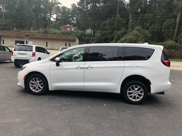 2017 Chrysler Pacifica LX Handicap Wheelchair accessible van Dallas, Georgia 6