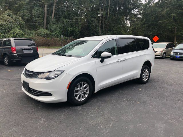 2017 Chrysler Pacifica LX Handicap Wheelchair accessible van Dallas, Georgia 7