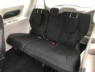 2017 Chrysler Pacifica LX Farmington, MN 6