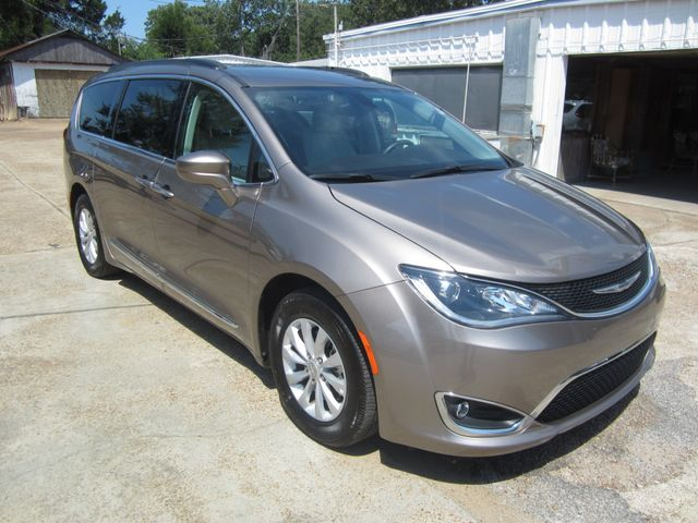 2017 Chrysler Pacifica Touring-L Houston, Mississippi 1