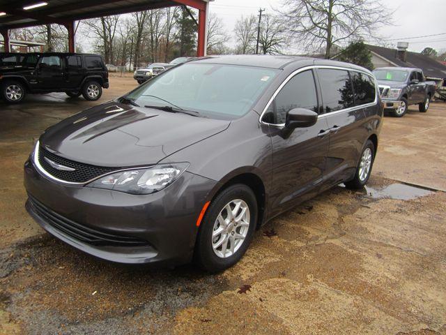2017 Chrysler Pacifica Touring Houston, Mississippi 1