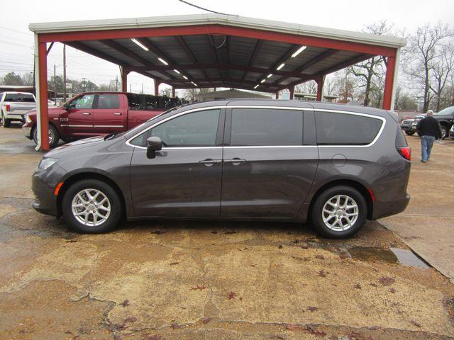 2017 Chrysler Pacifica Touring Houston, Mississippi 2