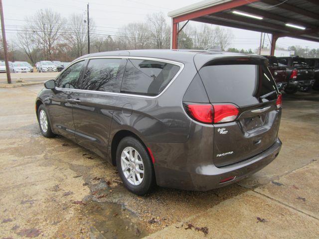 2017 Chrysler Pacifica Touring Houston, Mississippi 5