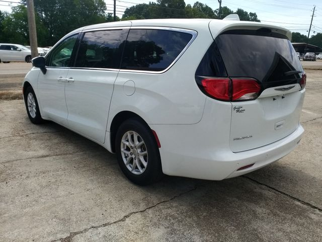 2017 Chrysler Pacifica Touring Houston, Mississippi 4