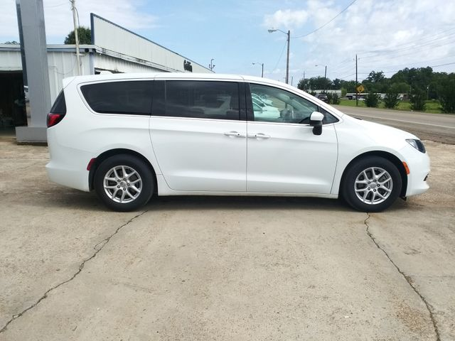 2017 Chrysler Pacifica Touring Houston, Mississippi 2