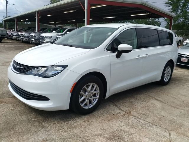 2017 Chrysler Pacifica Touring Houston, Mississippi 1