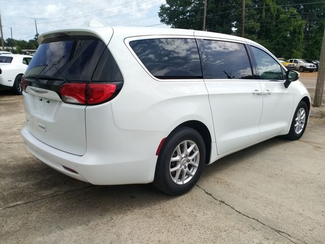 2017 Chrysler Pacifica Touring Houston, Mississippi 3