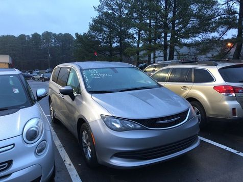 2017 Chrysler Pacifica Touring | Huntsville, Alabama | Landers Mclarty DCJ & Subaru in Huntsville, Alabama