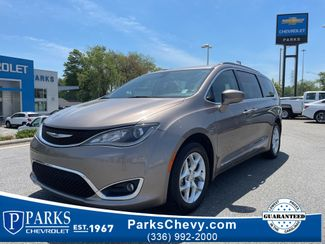 2017 Chrysler Pacifica Touring-L in Kernersville, NC 27284