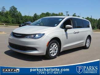 2017 Chrysler Pacifica Touring in Kernersville, NC 27284