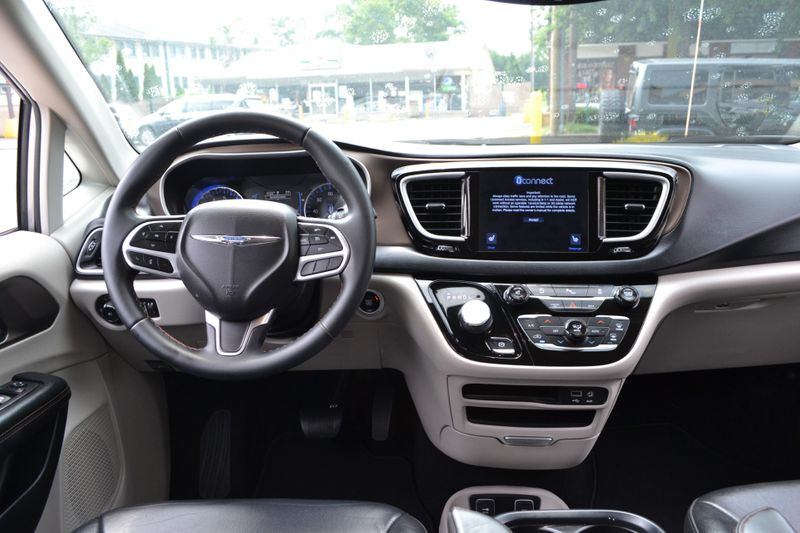 2017 Chrysler Pacifica Touring-L  city New  Father  Son Auto Corp   in Lynbrook, New