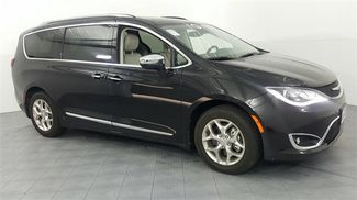 2017 Chrysler Pacifica Limited in McKinney Texas, 75070