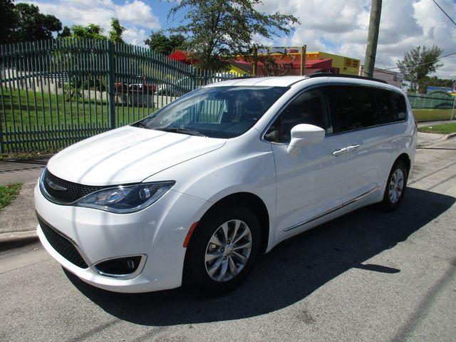 2017 Chrysler Pacifica Touring-L Miami, Florida