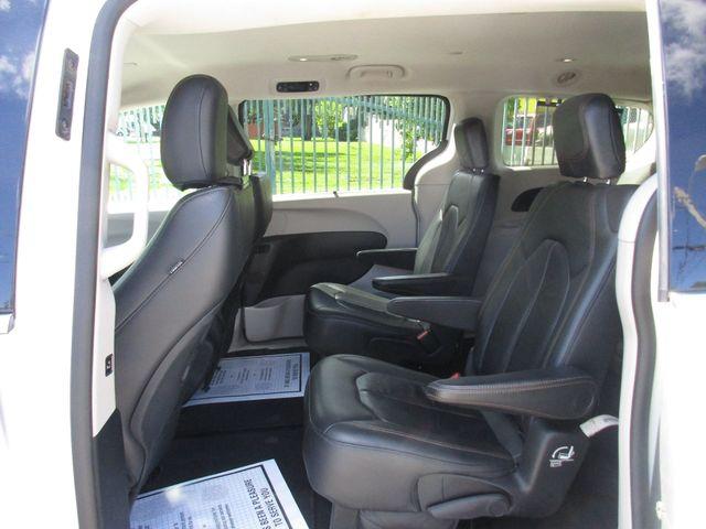 2017 Chrysler Pacifica Touring-L Miami, Florida 10