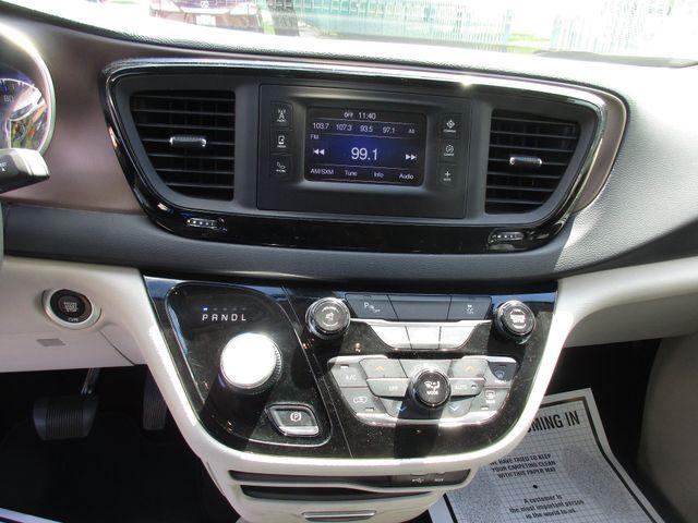 2017 Chrysler Pacifica Touring-L Miami, Florida 16