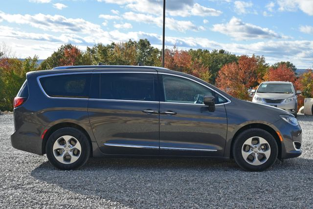 2017 Chrysler Pacifica Touring-L Plus Naugatuck, Connecticut 5