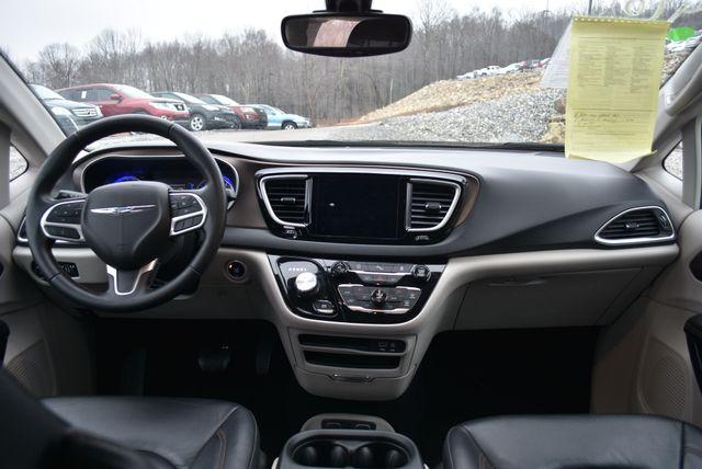 2017 Chrysler Pacifica Touring-L Naugatuck, Connecticut 14