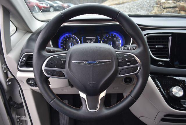 2017 Chrysler Pacifica Touring-L Naugatuck, Connecticut 17