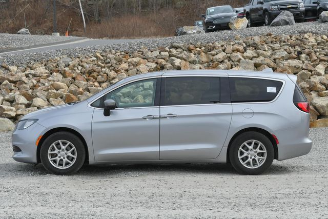 2017 Chrysler Pacifica LX Naugatuck, Connecticut 1
