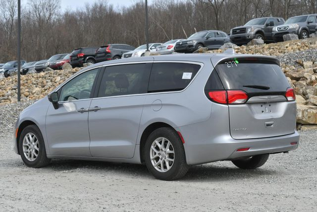 2017 Chrysler Pacifica LX Naugatuck, Connecticut 2