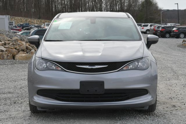 2017 Chrysler Pacifica LX Naugatuck, Connecticut 7