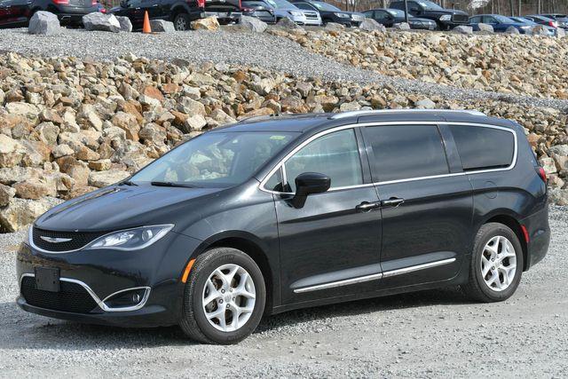 2017 Chrysler Pacifica Touring-L Plus Naugatuck, Connecticut