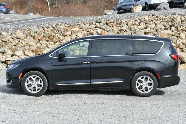 2017 Chrysler Pacifica Touring-L Plus Naugatuck, Connecticut 1