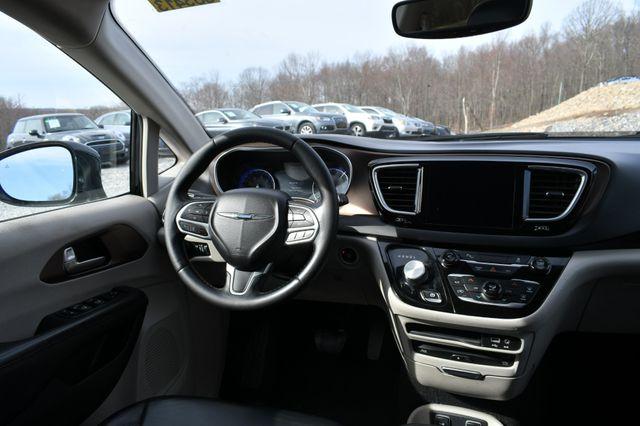 2017 Chrysler Pacifica Touring-L Plus Naugatuck, Connecticut 15