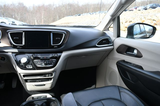 2017 Chrysler Pacifica Touring-L Plus Naugatuck, Connecticut 17