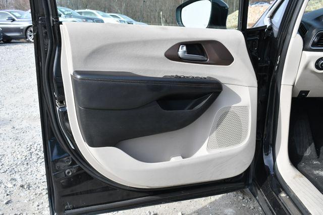 2017 Chrysler Pacifica Touring-L Plus Naugatuck, Connecticut 20