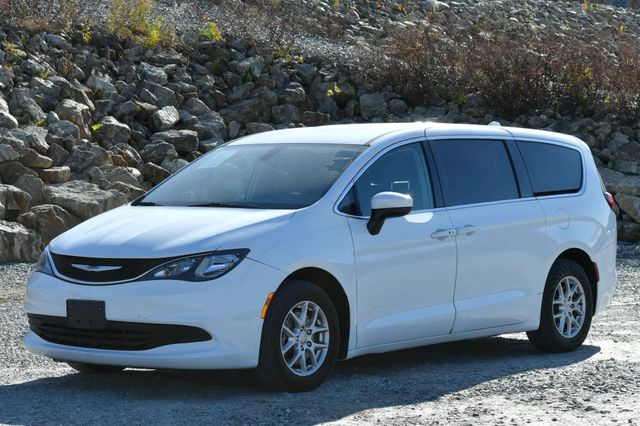 2017 Chrysler Pacifica Touring Naugatuck, Connecticut