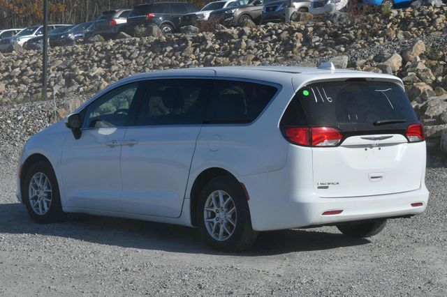2017 Chrysler Pacifica Touring Naugatuck, Connecticut 2