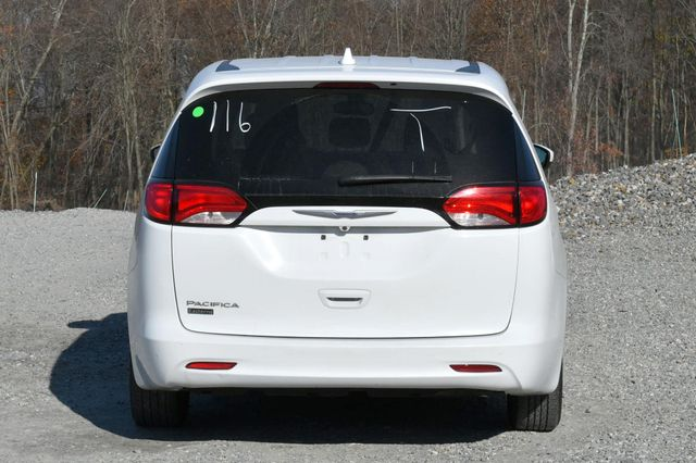 2017 Chrysler Pacifica Touring Naugatuck, Connecticut 3