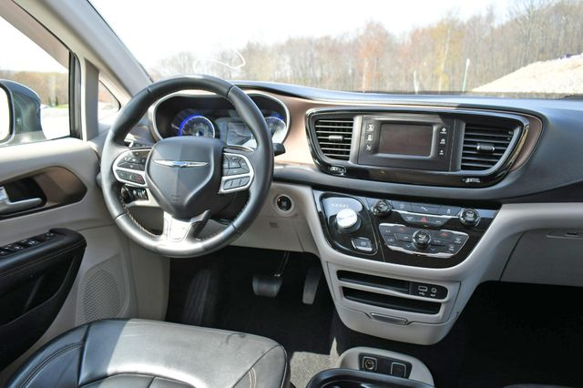 2017 Chrysler Pacifica Touring-L Naugatuck, Connecticut 15