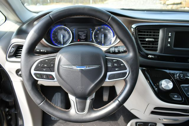 2017 Chrysler Pacifica Touring-L Naugatuck, Connecticut 18