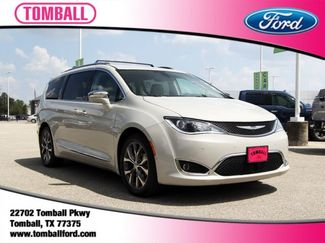 2017 Chrysler Pacifica Limited in Tomball, TX 77375