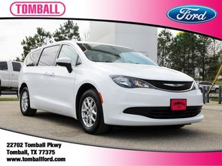 2017 Chrysler Pacifica Touring in Tomball, TX 77375