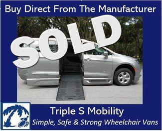 2017 Chrysler Pacifica Touring-L Plus Wheelchair Van Handicap Ramp Van Pinellas Park, Florida