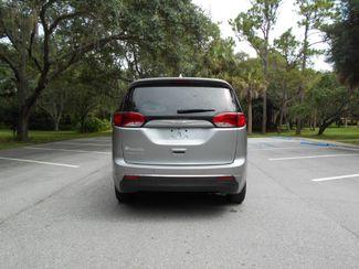 2017 Chrysler Pacifica Touring-L Plus Wheelchair Van Handicap Ramp Van Pinellas Park, Florida 4