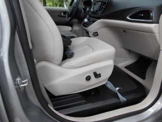 2017 Chrysler Pacifica Touring-L Plus Wheelchair Van Handicap Ramp Van Pinellas Park, Florida 9