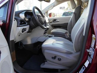 2017 Chrysler Pacifica Touring-L Plus Wheelchair Van Handicap Ramp Van Pinellas Park, Florida 13