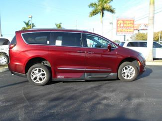 2017 Chrysler Pacifica Touring-L Plus Wheelchair Van Handicap Ramp Van Pinellas Park, Florida 2
