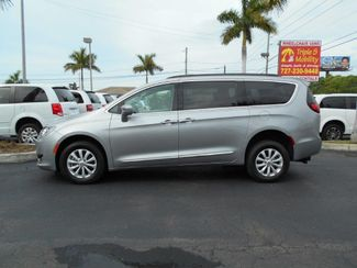 2017 Chrysler Pacifica Touring-L Wheelchair Van Handicap Ramp Van Pinellas Park, Florida 1
