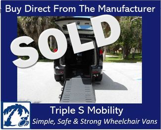 2017 Chrysler Pacifica Touring Wheelchair Van Handicap Ramp Van Pinellas Park, Florida