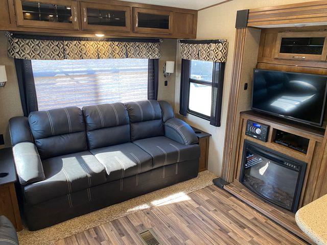 2017 Coachmen Chaparral 30RLS in Mandan, North Dakota 58554