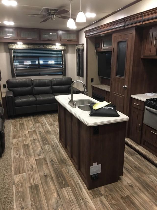 2017 Crossroads Volante 3201IK Mandan, North Dakota 8