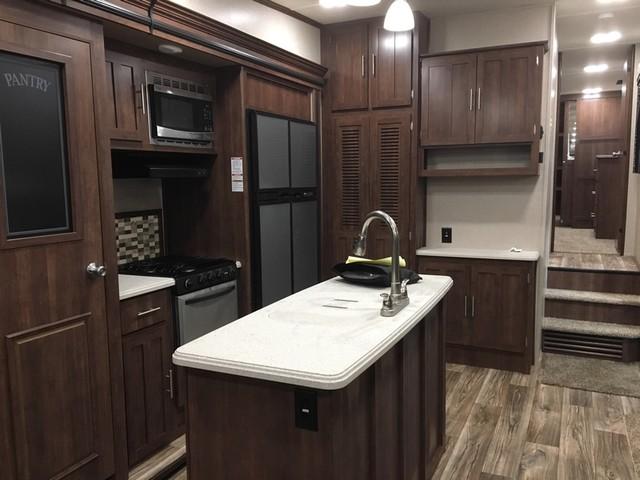 2017 Crossroads Volante 3201IK Mandan, North Dakota 11